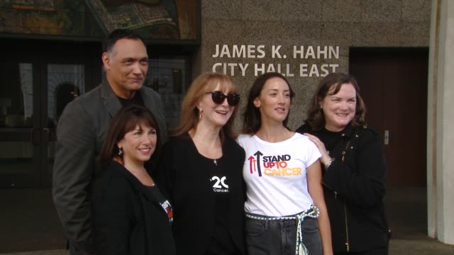 jimmy smits sue schwartz rusty robertson bree turner kathleen lobb at stand up to cancer day 2018 in los angeles ca - jimmy smits stock videos and b-roll footage