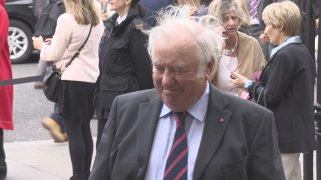 jimmy tarbuck at a service of thanksgiving for the life and work of sir terry wogan at westminster abbey on september 27, 2016 in london, england. - terry wogan stock-videos und b-roll-filmmaterial