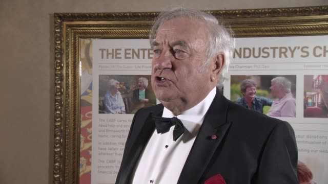 jimmy tarbuck on the show the banter backstage his memories of the first show his thoughts on christmas being celebrated early at royal variety... - jimmy tarbuck stock videos & royalty-free footage