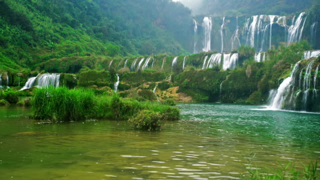 stockvideo's en b-roll-footage met jiulong negen dragon waterval yunnan china - bron