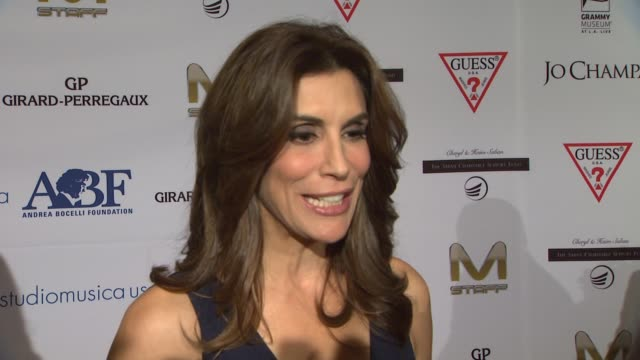 vidéos et rushes de jo champa on organizing the evening what she appreciates about andrea bocelli and the work that the andrea bocelli foundation is doing what guests... - andrea bocelli