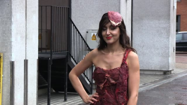 jo edwards wearing a 'meat dress' sighted outside itv studios promoting the upcoming mtv music awards sighted jo edwards at itv studios on november... - mtv1 stock-videos und b-roll-filmmaterial