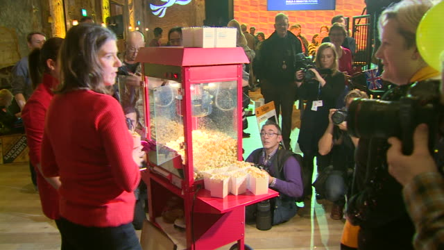 jo swinson handing out popcorn at a lib dem general election campaign rally - snack stock videos & royalty-free footage