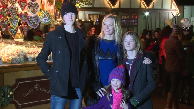 stockvideo's en b-roll-footage met jo whiley at winter wonderland launch at hyde park on november 21 2013 in london england - jo whiley