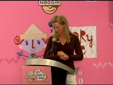 joan allen discusses fighting illiteracy at the new national literacy campaign 'get ready to read' introduced by 'noggin' at barnes noble columbus... - joan allen stock videos and b-roll footage