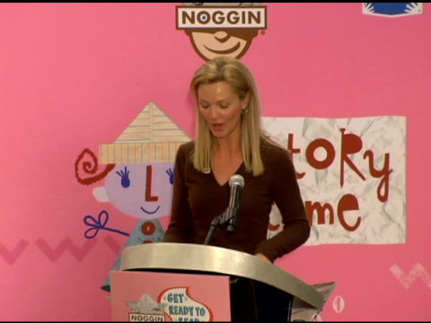 joan allen introduces the event at the new national literacy campaign 'get ready to read' introduced by 'noggin' at barnes noble columbus circle in... - joan allen stock videos and b-roll footage