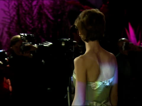 stockvideo's en b-roll-footage met joan allen poses for photographers during the vanity fair oscar party. - oscar party
