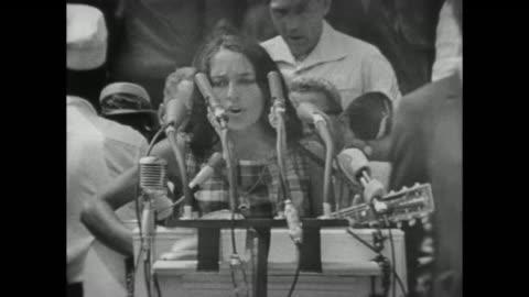 vidéos et rushes de joan baez sings at the march on washington - 1963