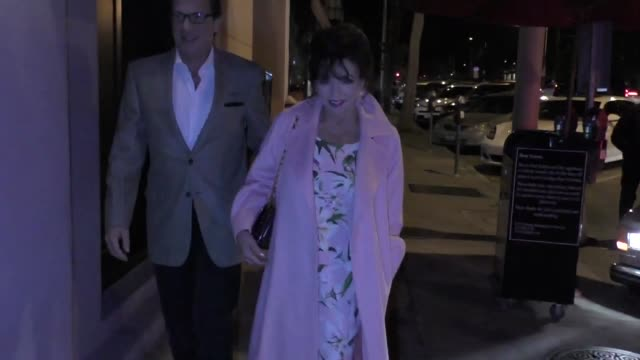 joan collins and percy gibson join alana stewart for dinner at craig's in west hollywood at celebrity sightings in los angeles on november 15, 2019... - alana stewart stock videos & royalty-free footage
