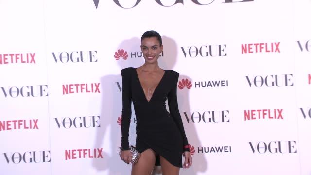 joana sanz attends vogue fashion night out in madrid - ジョアナ・サンス点の映像素材/bロール