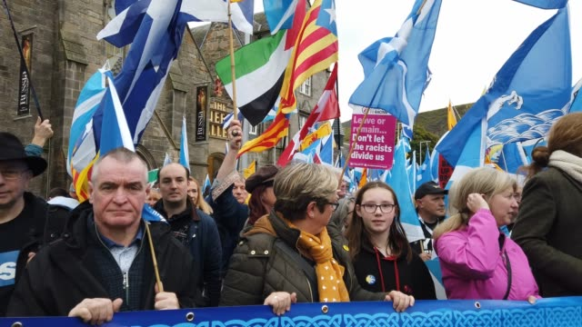 joanna cherry joins the thousands of marchers who took to the streets of the scottish capital in support of scottish independence, on october 5, 2019... - edinburgh scotland stock videos & royalty-free footage