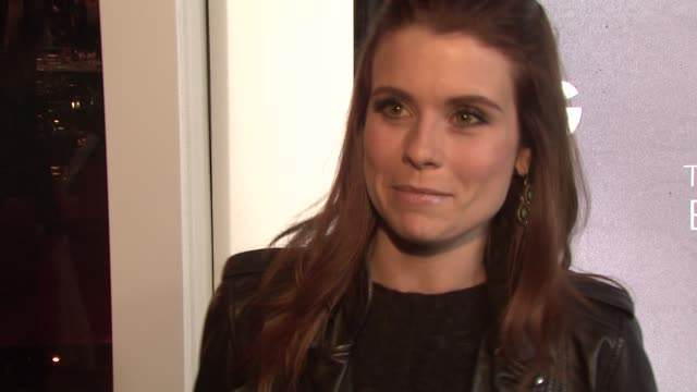 joanna garcia on why she loves dolce & gabbana, on what she's wearing, on the art of elysium at the d&g flagship boutique opening benefiting the art... - dolce & gabbana点の映像素材/bロール