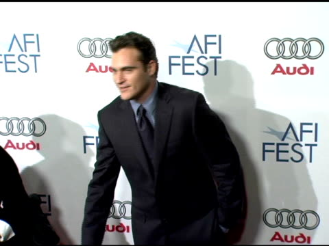 joaquin phoenix at the 20th century fox's 'walk the line' premiere at the opening night gala of the 2005 afi fest at the cinerama dome at arclight... - joaquin phoenix stock videos & royalty-free footage