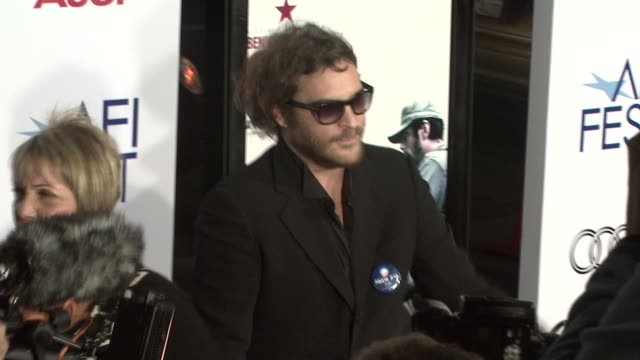 joaquin phoenix at the 'che' premiere at los angeles ca - joaquin phoenix stock videos & royalty-free footage