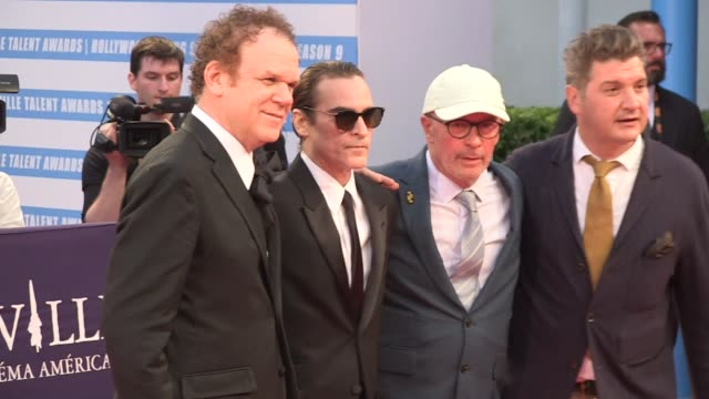 joaquin phoenix, john c reilly, jacques audiard and more at the the sisters brothers red carpet during the 2018 deauville film festival deauville,... - première stock-videos und b-roll-filmmaterial