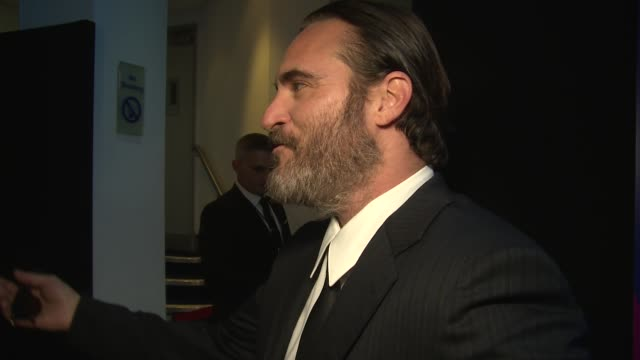 joaquin phoenix on filming and lynne ramsay at odeon leicester square on october 14 2017 in london england - joaquin phoenix stock videos & royalty-free footage