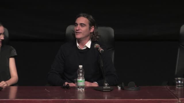 interview joaquin phoenix on his character at 'her' press conference 8th rome film festival at auditorium parco della musica on november 10 2013 in... - joaquin phoenix stock videos & royalty-free footage