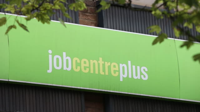 vidéos et rushes de job center plus employment office exteriors as almost half of businesses taking part in the uk government's covid19 jobs program expect to let go of... - écriture européenne