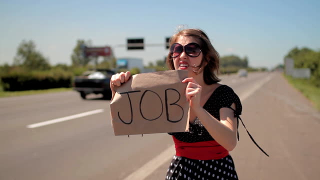 stockvideo's en b-roll-footage met job hunting highway - commercieel landvoertuig