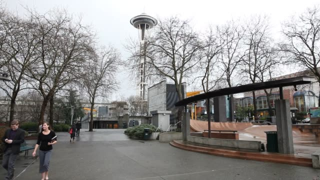 vídeos de stock e filmes b-roll de job seekers attend a career fair at the seattle center pavilion in seattle washington on january 28th 2016 photographer michael kanebloomberg shots... - space needle