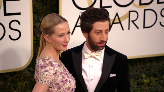 jocelyn towne and simon helberg at 74th annual golden globe awards arrivals at the beverly hilton hotel on january 08 2017 in beverly hills... - simon helberg stock videos and b-roll footage