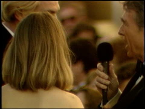vidéos et rushes de jodie foster at the 1989 academy awards at the shrine auditorium in los angeles, california on march 29, 1989. - 61e cérémonie des oscars