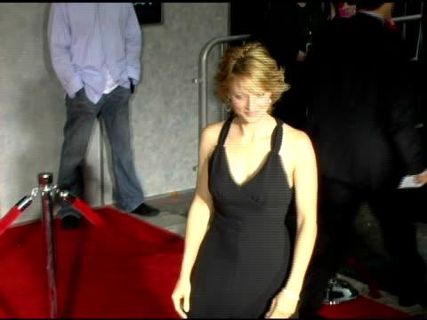 jodie foster at the 'flightplan' los angeles premiere at the el capitan theatre in hollywood, california on september 19, 2005. - el capitan theatre stock videos & royalty-free footage