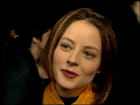 jodie foster at the 'nell' premiere at academy theater in beverly hills california on december 13 1994 - 1994年点の映像素材/bロール