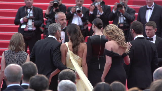 SLOMO Jodie Foster Julia Roberts George Clooney Amal Clooney at Money Monster' Red Carpet on May 12 2016 in Cannes France