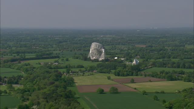 jodrell bank telescope - astronomy telescope stock videos & royalty-free footage