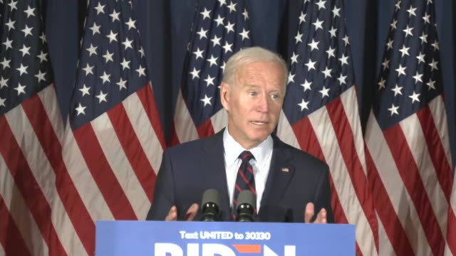 """vidéos et rushes de joe biden says """"he's picked a fight with the wrong guy"""" in response to criticism from u.s. president donald trump during a town hall in rochester,... - président des états unis"""