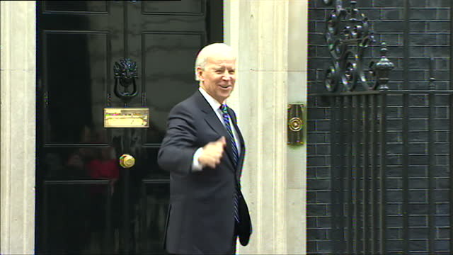joe biden, us vice president, arrives at 10 downing street for meeting with prime minister and lets himself in, 2013 - 2013 stock videos & royalty-free footage