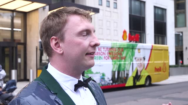 """joe lycett staged a stunt outside shell's hq in london to campaign against the company's """"greenwashing"""". the comedian arrived outside the offices in... - grey colour stock videos & royalty-free footage"""