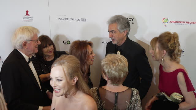 Joe Mantegna Phil Donahue and Marlo Thomas at The American Icon Award at Regent Beverly Wilshire Hotel on May 19 2019 in Beverly Hills California