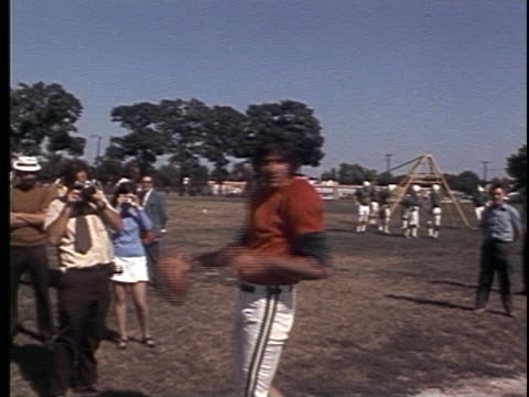 joe nameth throwing a football at practice camp on may 01 1972 in new york new york - super bowl stock videos & royalty-free footage