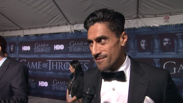 interview joe naufahu on that he's here at the tcl chinese theater and what it means to have his show premiere at such an iconic hollywood theater on... - tcl chinese theater stock-videos und b-roll-filmmaterial