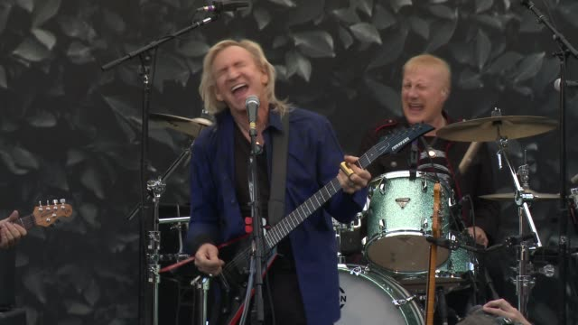 performance joe walsh at john varvatos celebrates international day of peace with a special performance by ringo starr and an all starr band on... - ringo starr stock videos and b-roll footage