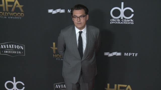 joe wright at 21st annual hollywood film awards at the beverly hilton hotel on november 05, 2017 in beverly hills, california. - ジョーライト点の映像素材/bロール