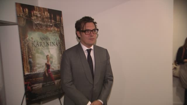 joe wright at the 'anna karenina' special screening in new york, ny, on 11/7/12 - ジョーライト点の映像素材/bロール