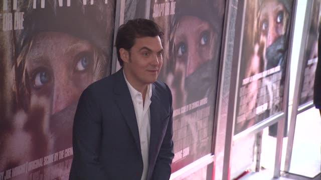 joe wright at the 'hanna' special screening at new york ny. - ジョーライト点の映像素材/bロール
