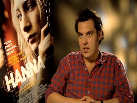 joe wright on the concept of the movie at the hanna interviews at london england. - ジョーライト点の映像素材/bロール