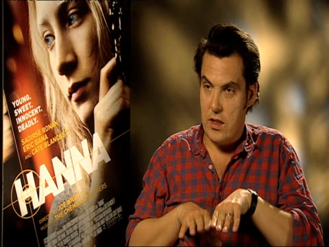 joe wright on working with the chemical brothers at the hanna interviews at london england. - ジョーライト点の映像素材/bロール