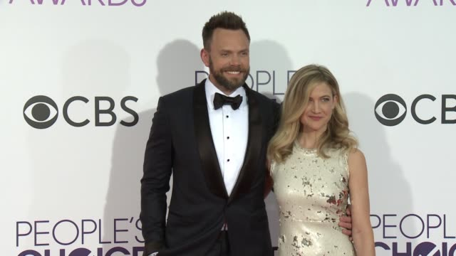 Joel McHale and Sarah Williams at the People's Choice Awards 2017 at Microsoft Theater on January 18 2017 in Los Angeles California