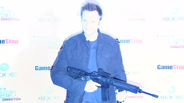 joel mchale at the game stop and xbox 360 present the premiere of 'splinter cell conviction' at hollywood ca - xbox stock videos & royalty-free footage