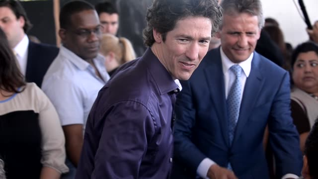 joel osteen at the presentation of the keys to the city of miami and the city of doral joel osteen at the presentation of the keys to the on april 16... - doral stock videos and b-roll footage
