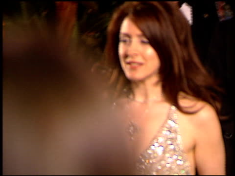 vídeos de stock e filmes b-roll de joely fisher at the 1999 academy awards vanity fair party at morton's in west hollywood california on march 21 1999 - joely fisher