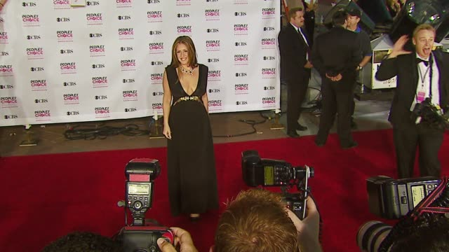 vídeos de stock e filmes b-roll de joely fisher at the 2007 people's choice awards arrivals at the shrine auditorium in los angeles california on january 9 2007 - joely fisher