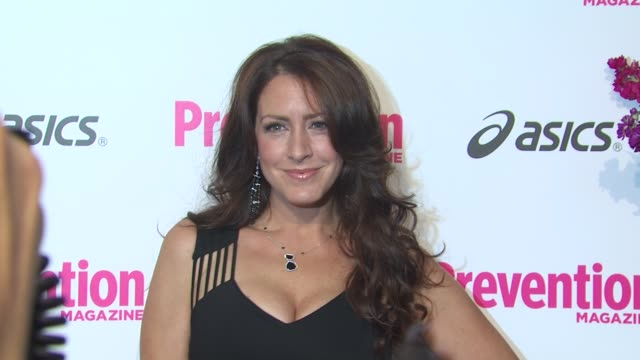 vídeos de stock e filmes b-roll de joely fisher at the prevention magazine's 1st annual hollywood heroes soiree at beverly hills ca - joely fisher