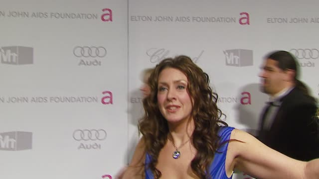vídeos de stock e filmes b-roll de joely fisher on ellen hosting oscar picks who she's wearing at the elton john 2007 oscar party at pacific design center in west hollywood california... - joely fisher