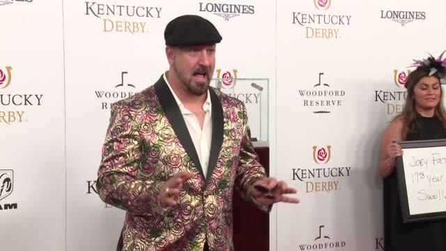 vídeos de stock e filmes b-roll de joey fatone at the 144th kentucky derby at churchill downs on may 5, 2018 in louisville, kentucky. - joey fatone